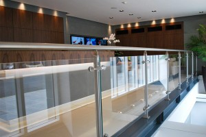 hoogte glazen balustrades