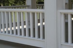 Houten veranda balustrade